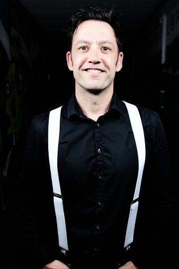 Sänger und Gitarrist Alex